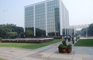 DlF Corporate Park Rent